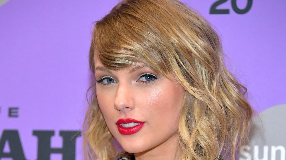 What Taylor Swift Really Looks Like Underneath All That Makeup