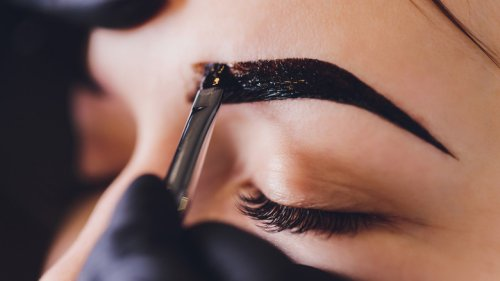 The Real Difference Between Henna Brows And Microblading