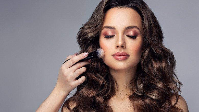 Summer Makeup Trends You Should Totally Skip