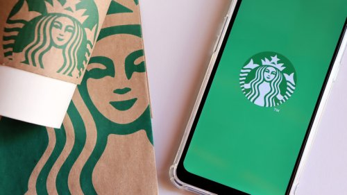 This Starbucks Secret-Menu Drink Tastes Like A Tropical Vacation In A Cup