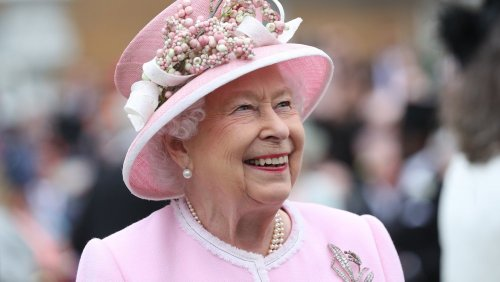 The Truth About Queen Elizabeth's Insanely lavish Life