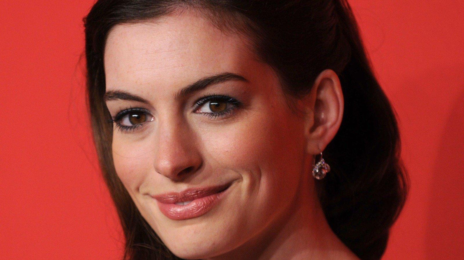 How Anne Hathaway Really Got Her Breakout Role In The Devil Wears Prada