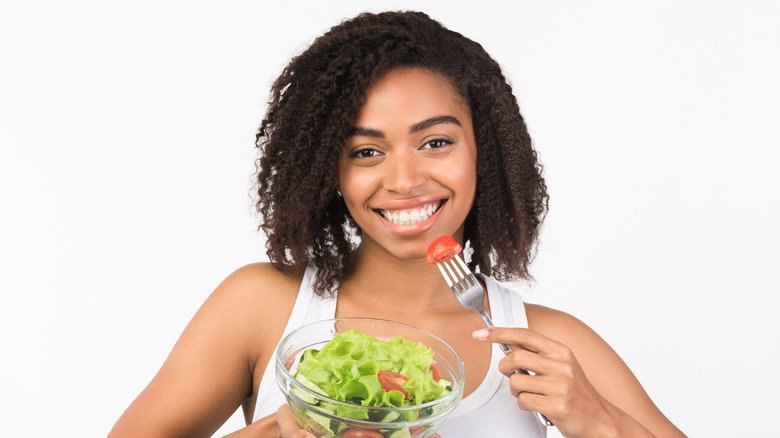 When you eat only salad everyday, this is what happens to your body