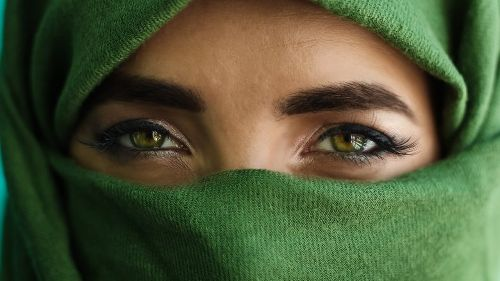 What You Don't Know About Green Eyes