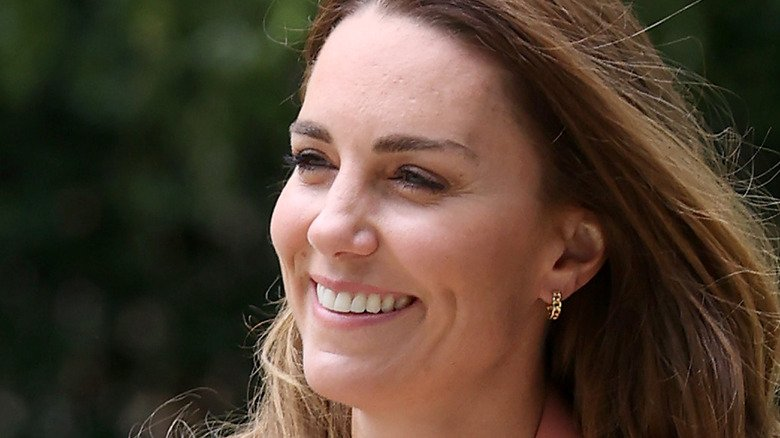 Here's How Kate Middleton Is Beating The Paparazzi At Their Own Game
