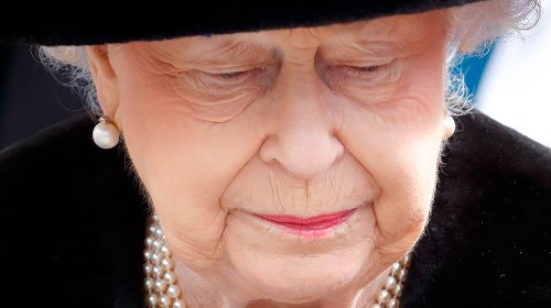The Truth About Queen Elizabeth's Official Period Of Mourning