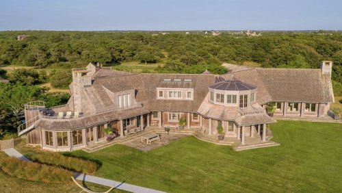 Inside Barack And Michelle Obama's Beautiful Martha's Vineyard Estate