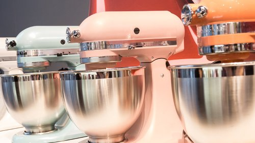 Alternatives To Try If You Can't Afford A KitchenAid Mixer
