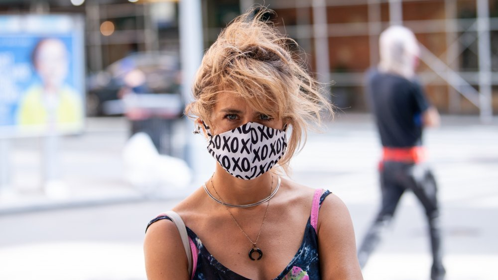 When You Wear A Face Mask Every Day, This Is What Happens To Your Lungs