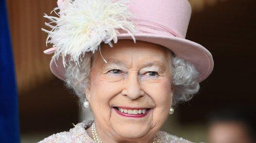 Inside Queen Elizabeth's Relationship With Helen Mirren
