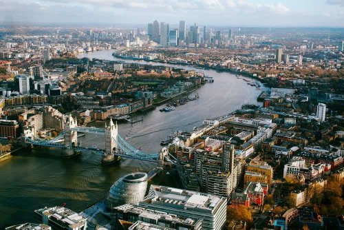 Foreign direct investment in UK has halved, new figures show