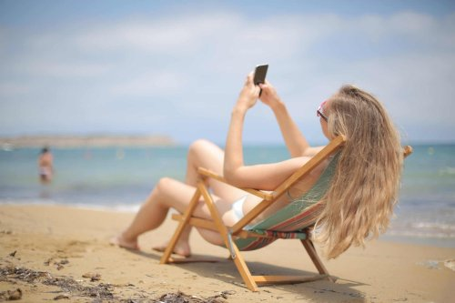 Daily Express, government and Leave campaigners all caught out in a lie over roaming charges