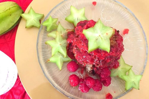 Fruity And Healthy Flapjacks with Raspberries and Star Fruit