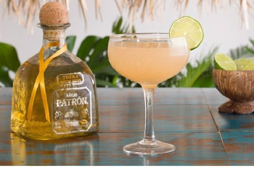 11 Best Mezcal Cocktail Recipes for Cinco de Mayo From Professional Bartenders | The Manual