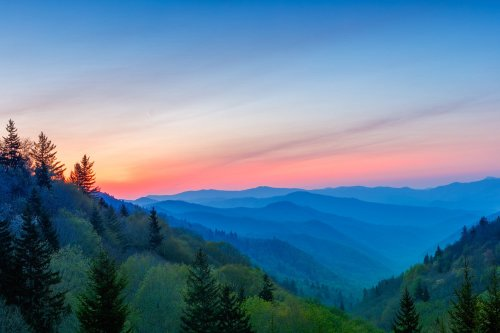An Outdoor Man's Guide to Exploring the Great Smoky Mountains 2021 | The Manual