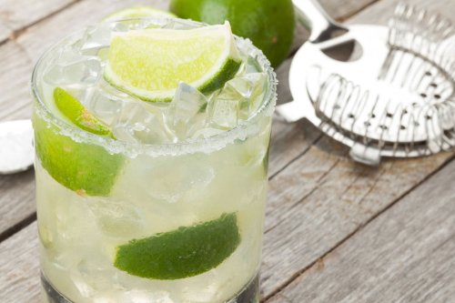 How to Make a Margarita, According to Bartenders   The Manual