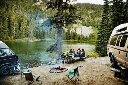 The 9 Best Mobile Camp Kitchens for Wilderness Outings 2021 | The Manual