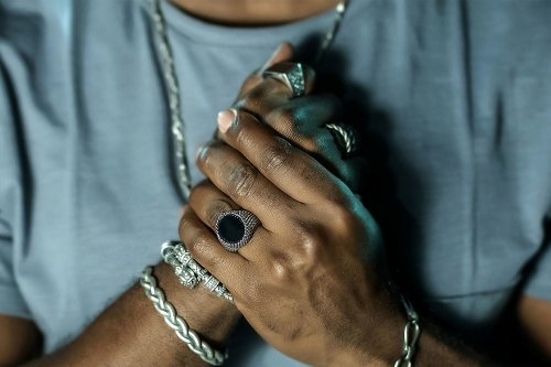 The 21 Best Men's Jewelry in 2021   The Manual