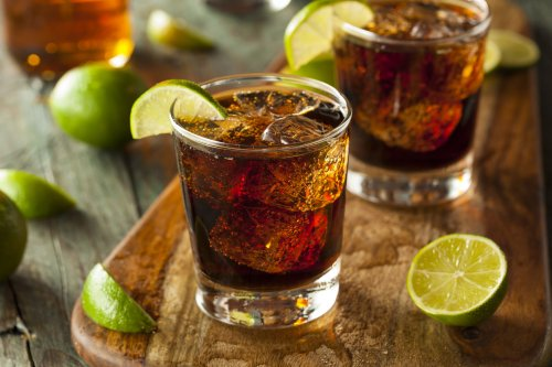 How to a Cuba Libre Cocktail for a Perfect Summer Drink | The Manual