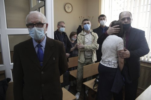 A Russian Jehovah's Witness Vows to Keep Worshipping Despite Crackdown - The Moscow Times
