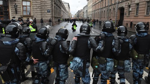 Russia to Deport Over 100 Foreign Pro-Navalny Protesters - The Moscow Times