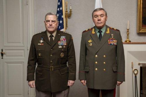 Top U.S., Russian Generals Meet in Helsinki - The Moscow Times