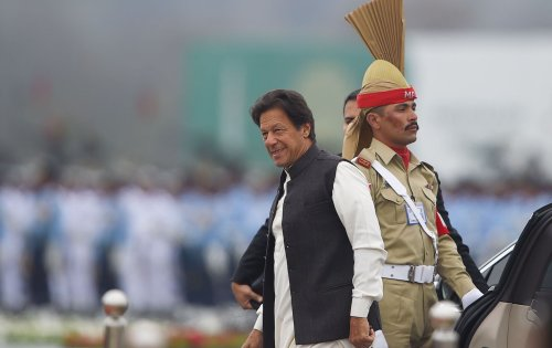 Imran Khan Faces a Standoff With the Pakistani Military