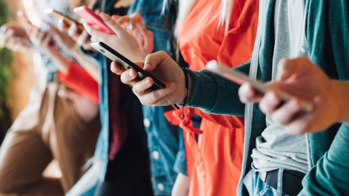 Phoneaholics anonymous: Suffering from smartphone addiction? Here's what to do about it