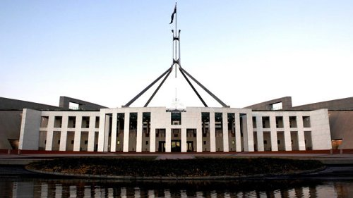 Man allegedly caught with weapon and making threats to kill outside Parliament House