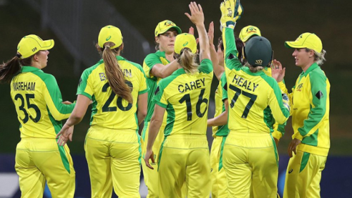 Australia's women bowl their way out of a tight spot against NZ to make it a 24-win streak