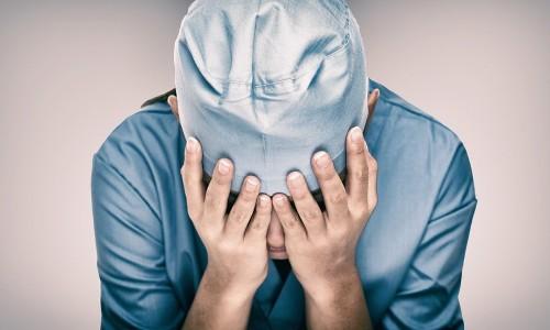 《受傷的醫者》後記:沒有「醫生」這種人,其實他們也是人 - The News Lens 關鍵評論網