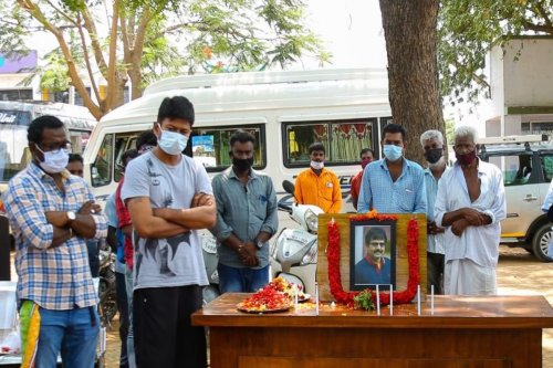 Udhayanidhi Stalin pays his respects to Vivek before 'Article 15' remake shoot