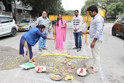Fed up with BBMP over bad roads, Bengaluru activists to hold 'pothole pooja'