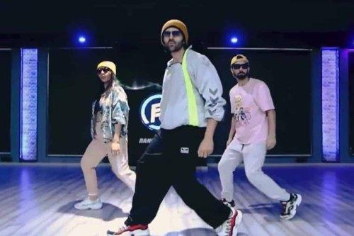 Watch: Kartik Aaryan grooves to Allu Arjun's popular dance number 'Butta Bomma'