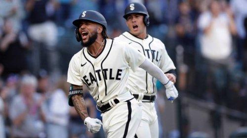 Crawford's slam, 10th-inning run lifts Mariners past Rays