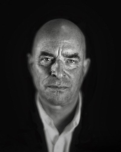 Dramatic Black and White 4x5 Portraits by Andy Lee
