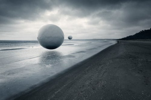 Floaters is a Surreal Image Series That Evokes an Alien World