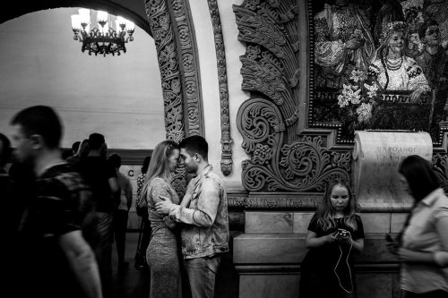 Skander Khlif Captures Glimpses of Everyday Life in the Moscow Metro