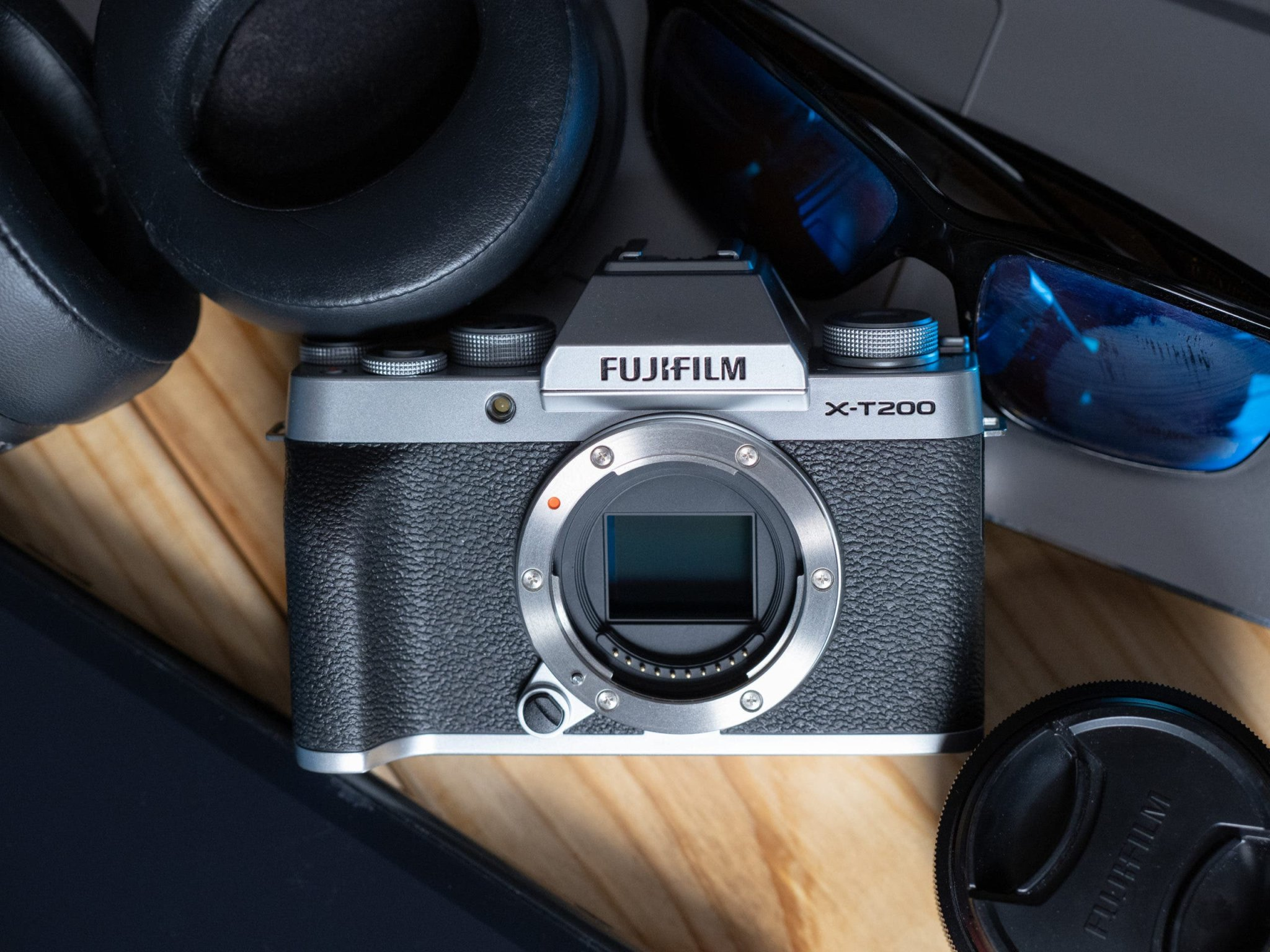 A Camera For JPEG Lovers Everywhere: Fujifilm X-T200 Review