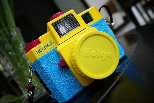 NYTimes will Supply its Staff Photographers with Lomography's Holga Cameras - The Phoblographer