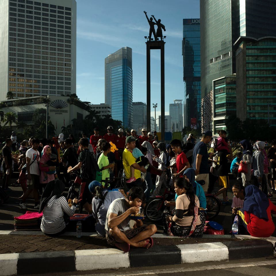 Josh Estey Sheds Light on Life in Jakarta's Congested Streets