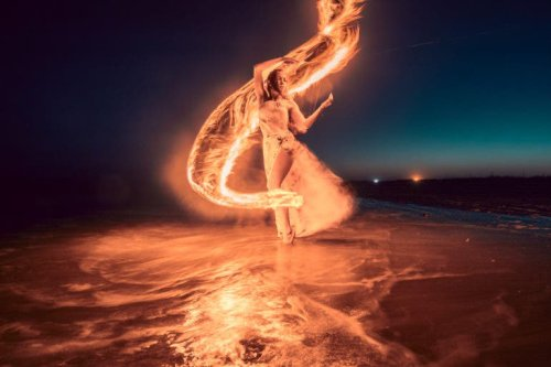 Photographing Fire: 10 Photographers Do it in Their Unique Ways
