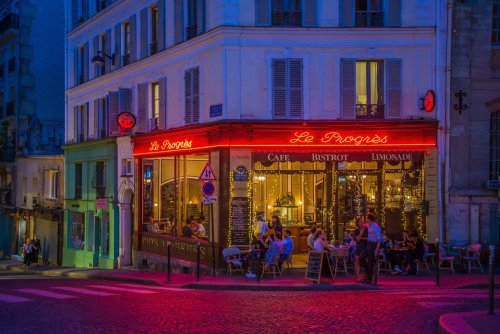 Manu Grinspan: Colorful Street Photography In Cities at Night