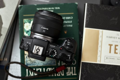 3 Lenses We Love for Cityscape Photography. They're Small Too!