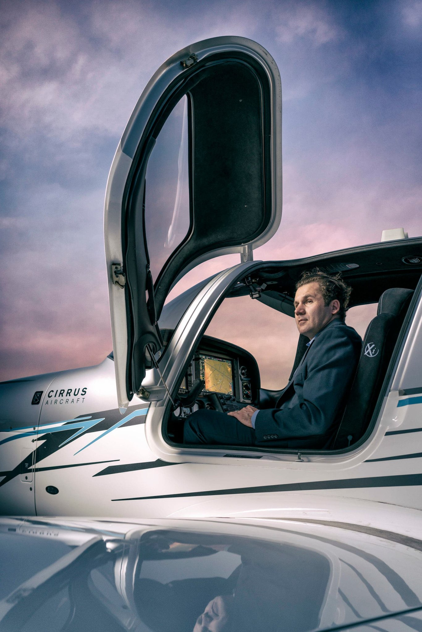 How Carl Schultz Shot an Environmental Portrait of a Chief Flight Instructor