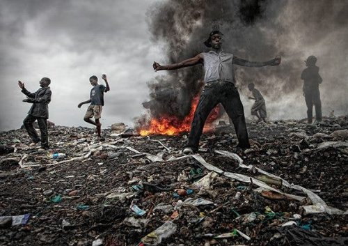 Jose Ferreira Documented Lives Of Dump Scavengers In Mozambique