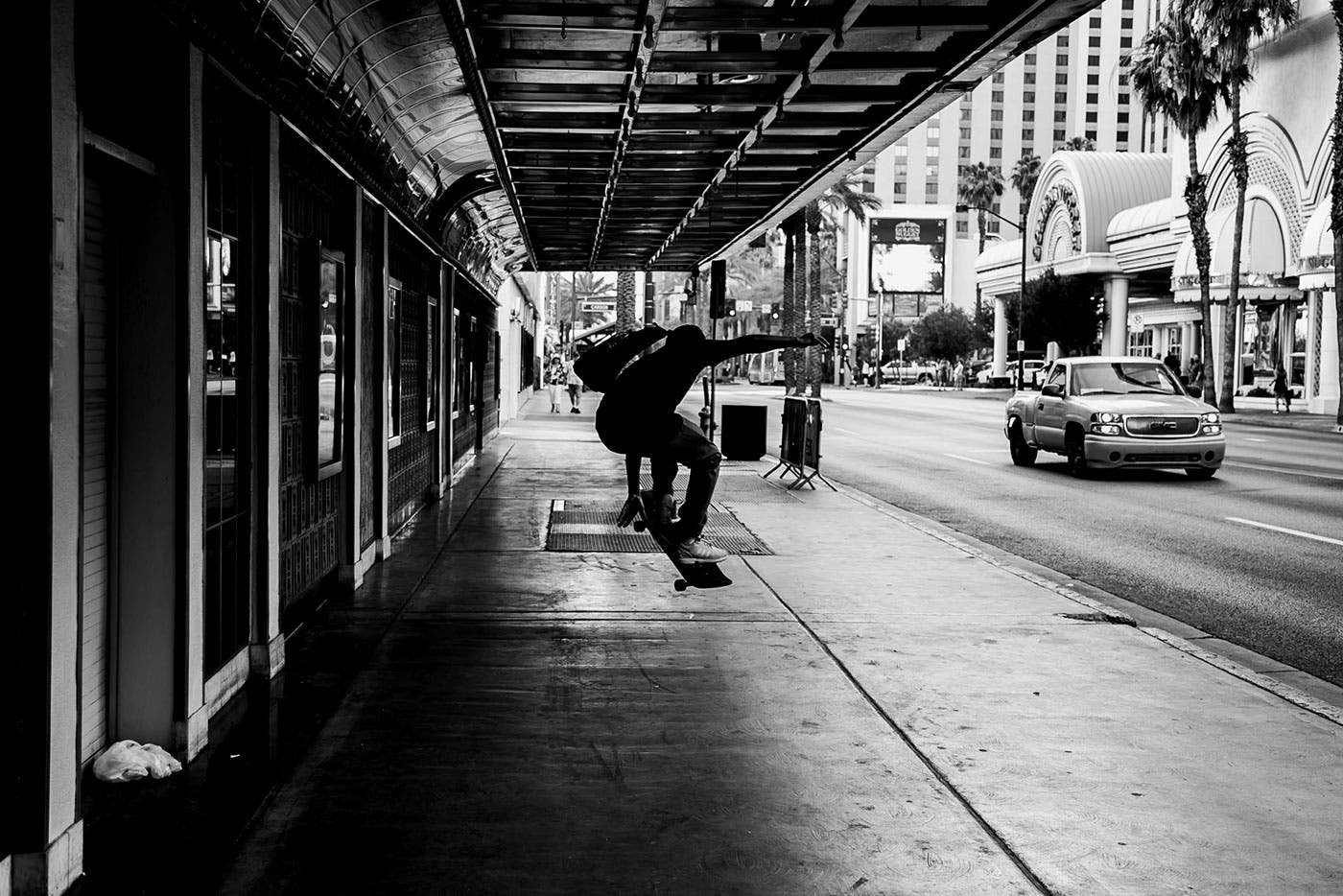 In 'Las Vegas,' Tylor Thurier Shows a Quiet Side of the City