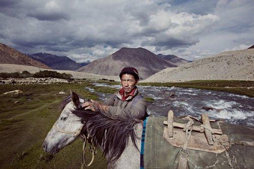 Vikas Vasudev Shows the Faces of a Forgotten Land