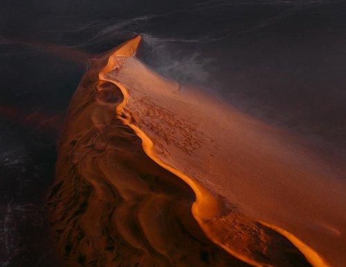 Tom Hegen's Beautiful Abstract Photos Explore the Namib Desert
