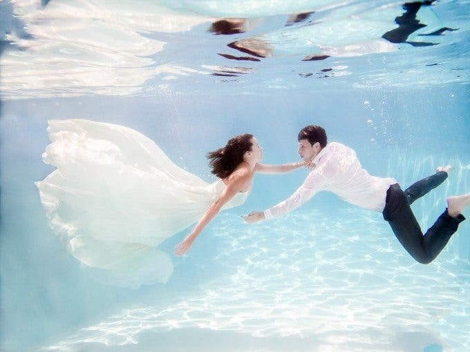 Tracie Maglosky's Underwater Engagement Shoot Will Mesmerize You